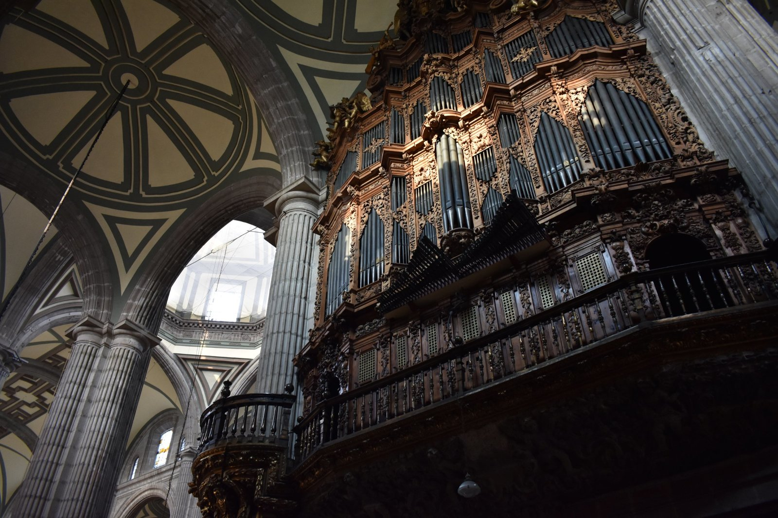 Image: The organ inside of the Metropolitan Cathedral in Mexico City, where Manuel de Zumaya was chapelmaster.