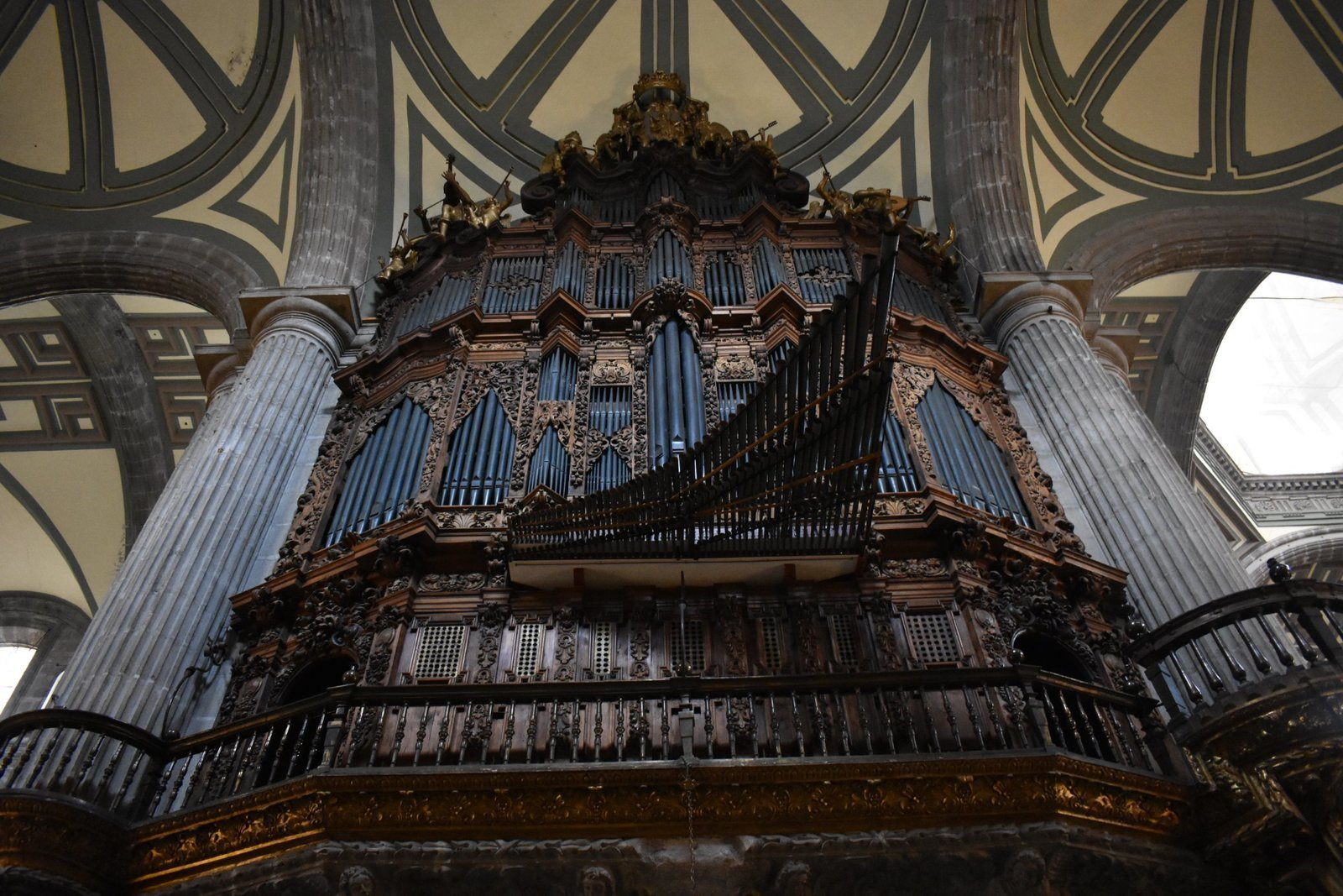 Image: The pipes of the organ inside of the Metropolitan Cathedral in Mexico City, where Manuel de Zumaya was chapelmaster.